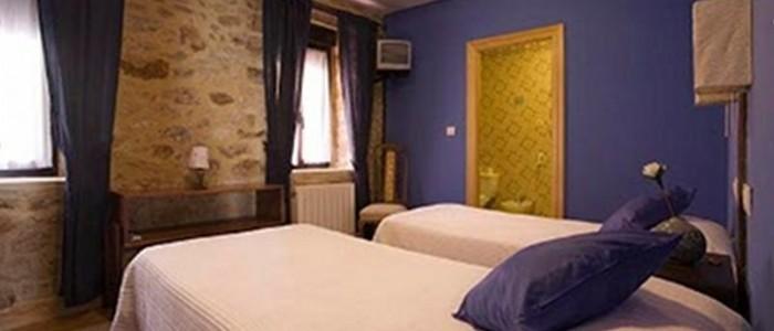 Habitación azul. Alojamiento turismo rural Sopuerta.