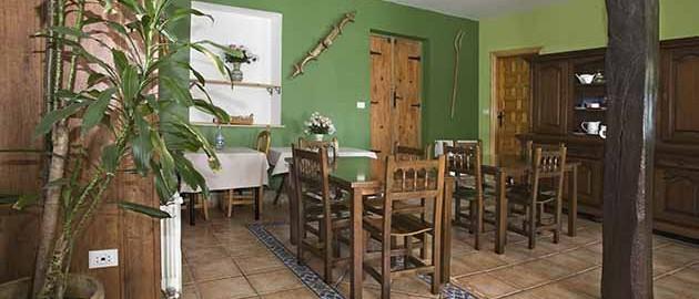 Salón comedor  de la casa rural Enkartada en Sopuerta.